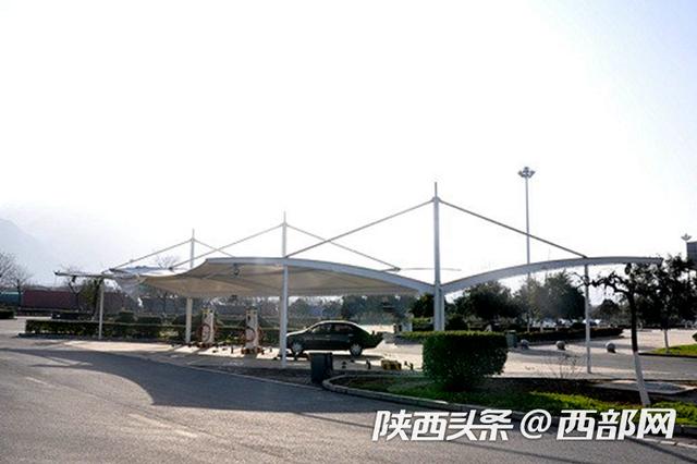 陕西30对高速路服务区有了电动汽车充电站