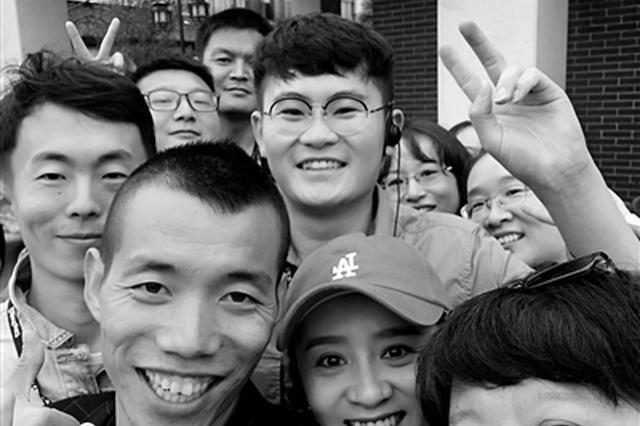 """西安一导游讲解网上走红 兵马俑也有""""明星脸"""""""