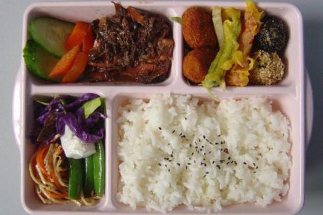 汉中通报一小学营养餐监管失职问题:19斤肉复称仅8.4斤