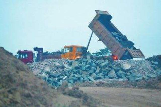 保障建筑垃圾清运运力 西安高新区23家清运企业复工