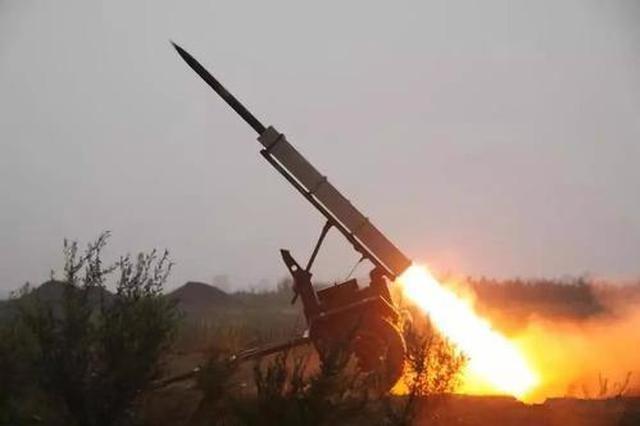 飞机火箭弹齐上阵 陕西人工增雨解旱情