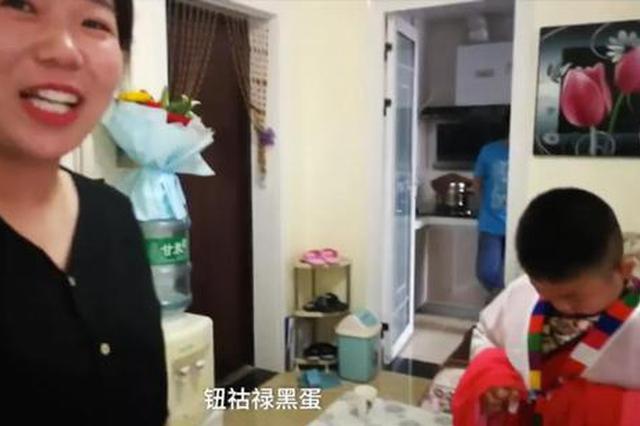 陕西10岁男孩跳惊鸿舞走红,表情绝了