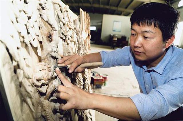 关中刀刻:不老的工匠精神 雕琢出更好的自己