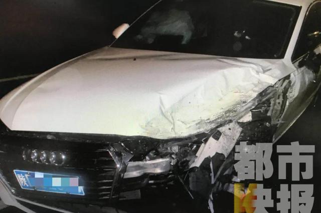 西安一男子凌晨驾车出车祸 面对询问却三不知