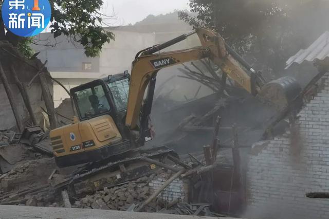 陕西一民房坍塌已致1人死亡 目前救出6人