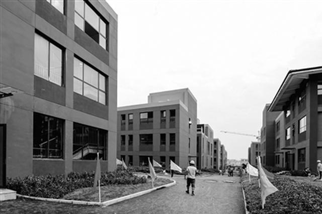 西安高新区第五高级中学、第六学校昨日竣工验收
