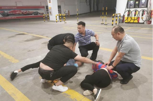 渭南成功破获十余起飞车抢夺案件 受害人多为独行女性