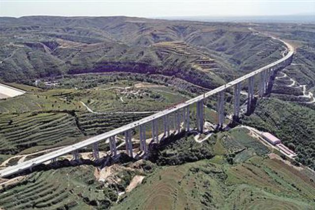 陕西石堡川河特大桥全部贯通 为年底通车打下基础