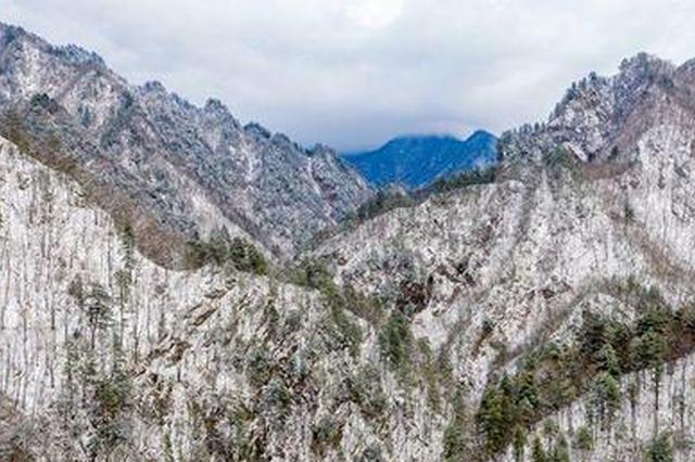 飞到秦岭看雪景:重重山峦被白雪覆盖 宛若仙境