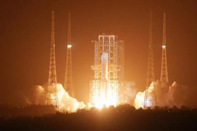 """航天六院执行""""嫦五""""发射任务队员返回西安"""