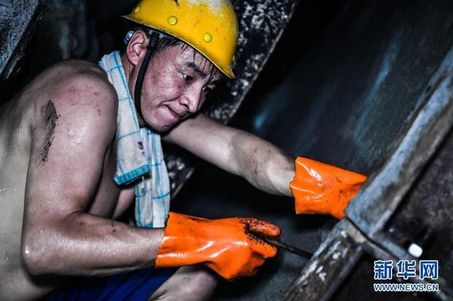 致敬!这是秦岭地下1840米的施工现场