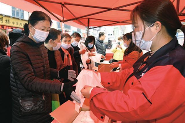 """西安百家万店共发""""禁限塑""""倡议 禁售一次性发泡塑料餐具"""