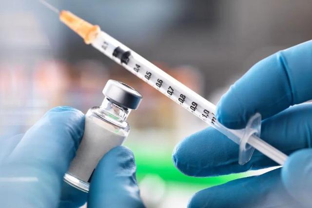 中疾控专家:新冠疫苗半年保护期后仍会有一定效力