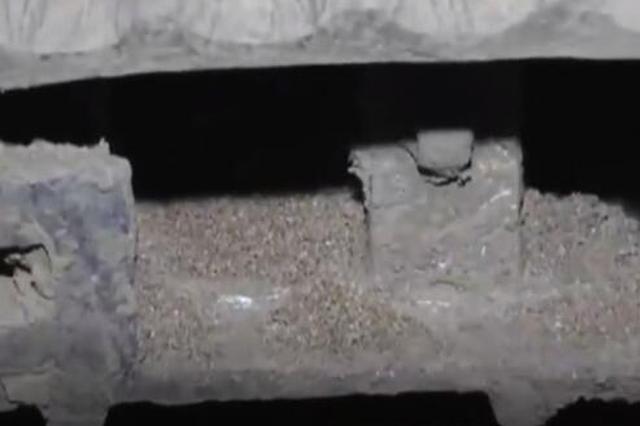 陕西汉墓现罕见陶仓装满小米 网友:这是穿越了两千多年的粮食
