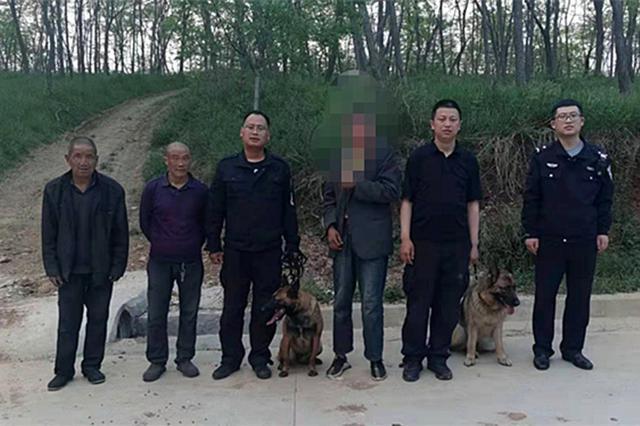 智力障碍男子山林中走失 淳化公安民警徒步搜寻找回