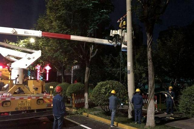 西安供電公司搶修隊已恢復鄭州3500戶居民用電