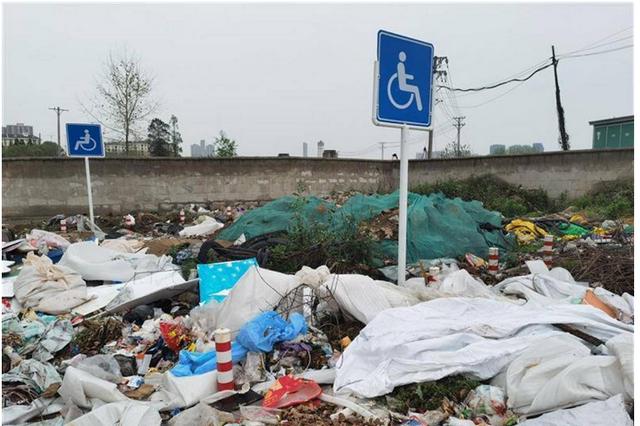 旬邑县一废弃村委会垃圾堆积 回应:已全面清理
