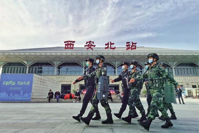 """筑牢街面值守的""""第一道防线""""——武警陕西省总队西安支队巡"""