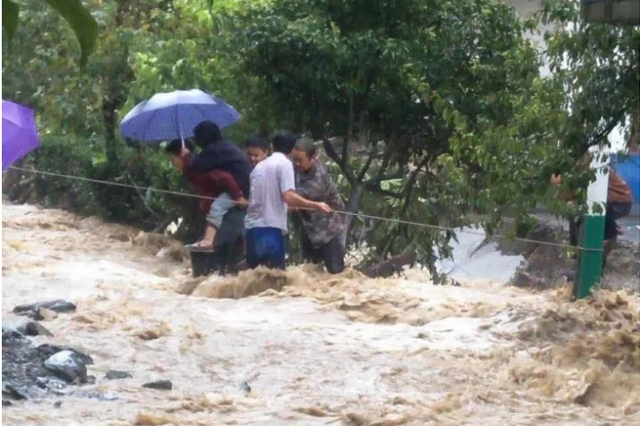 暴雨致安康17.8万人受灾 直接损失12.5亿元