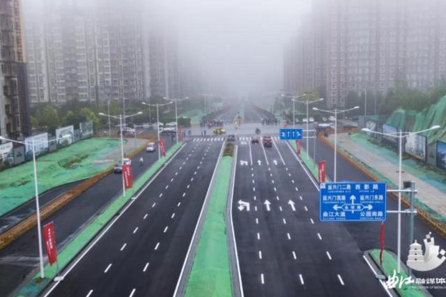双向6车道!西安曲江新区的新安路正式通车放行