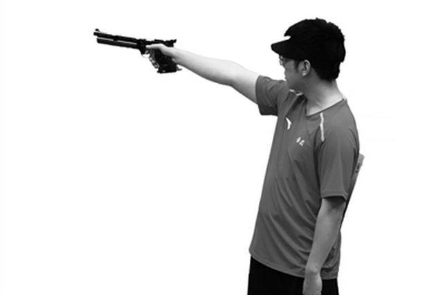 男子10米气手枪个人赛决赛 胡凯最后一枪逆转夺冠