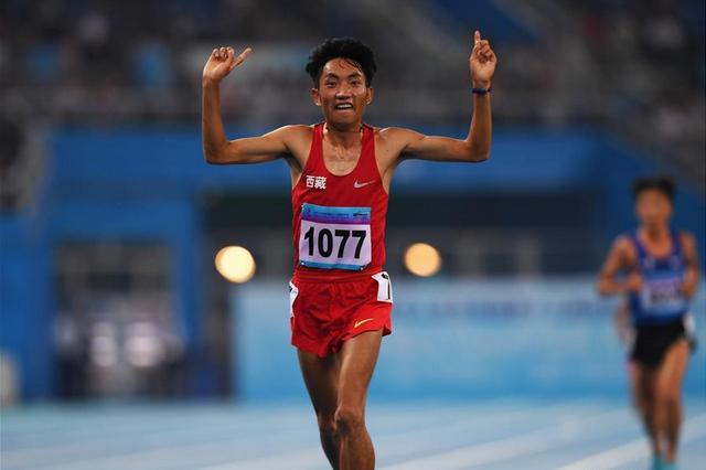 西藏选手多布杰卫冕全运会男子10000米冠军