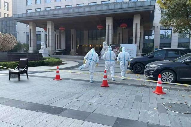 西安唐隆国际酒店封闭隔离393人 首轮核酸检测均为阴性