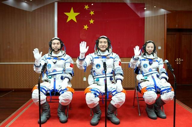 """神舟十三号载人飞船成功发射 盘点背后的""""陕西力量"""""""