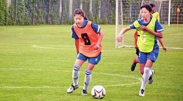 陕西省选拔足球小将 1200余人参与