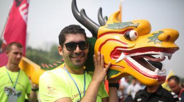 西安汉城湖第六届龙舟节开幕