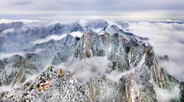 无人机拍摄雪后华山 美如画境