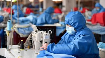 西安:企业转产保障防疫物资