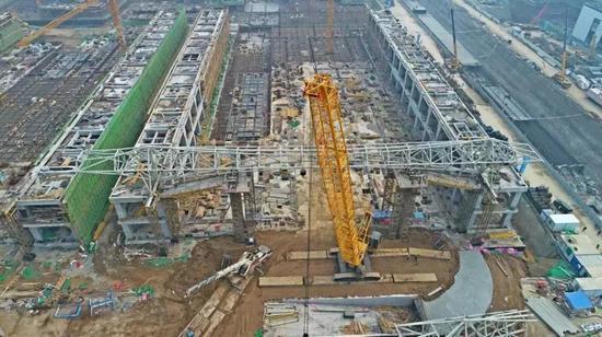 ▲2019年2月20日标准展厅钢结构开始滑移