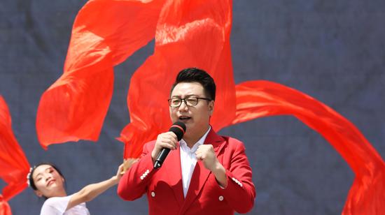 著名歌手、商洛市文化旅游推广大使 周澎