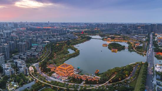 """曲江新区:全力打造""""绿色曲江"""" 让城市更美丽"""