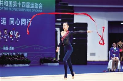 王子露在比赛中 本报记者 王晓峰 摄