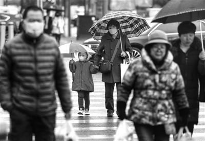 西安降雪降温 本报记者 王晓峰 摄