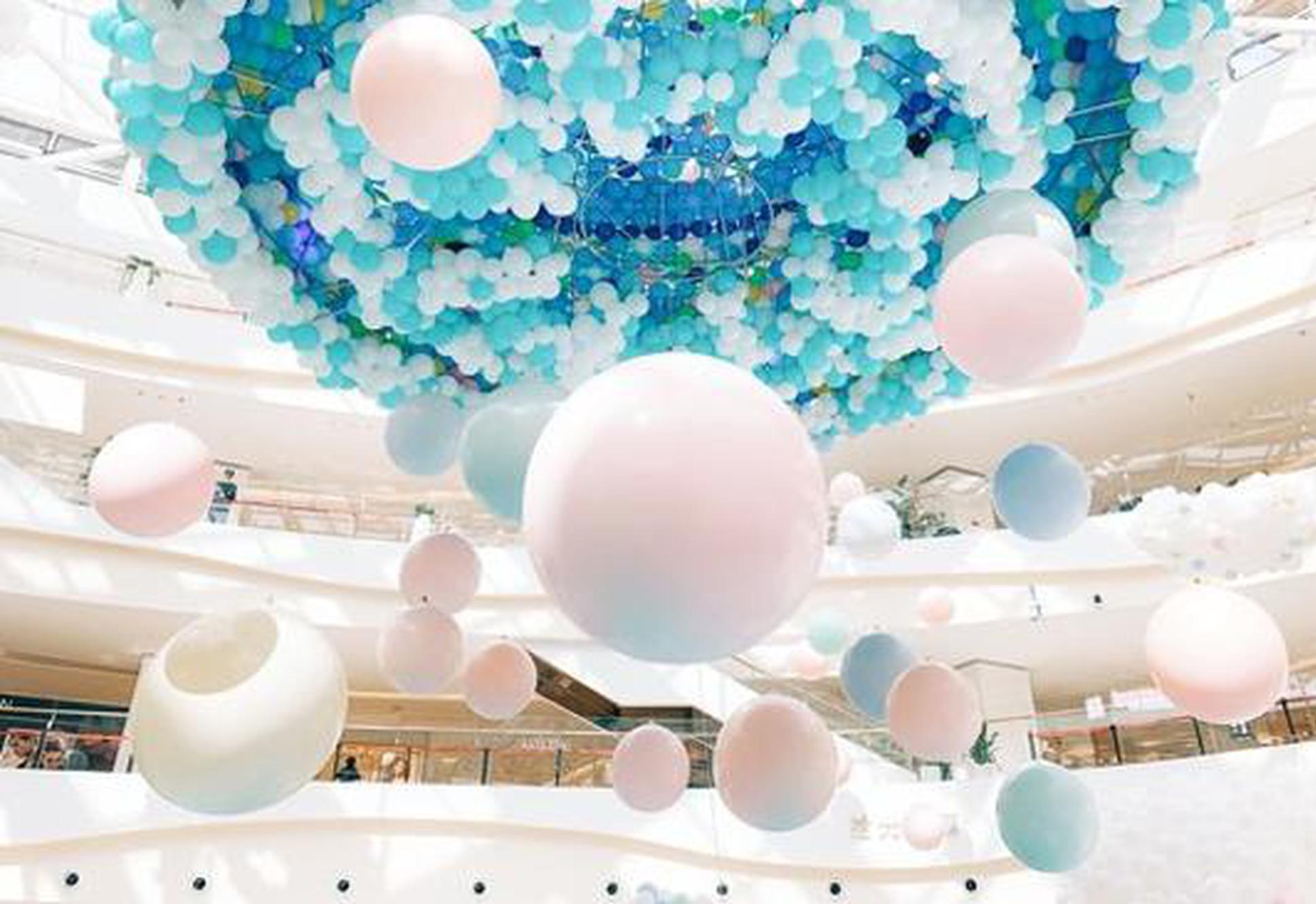 西安大悦城30万只气球包围的梦境
