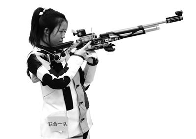 杨倩在比赛中 本报记者 马昭 摄