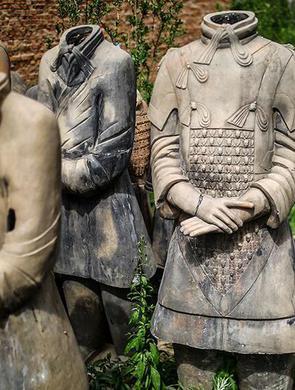 男子复制的兵马俑被大英博物馆收藏