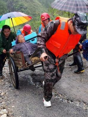 洛南:暴雨來臨 安置群眾
