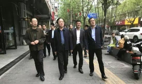 """雁塔区区委书记赵小林检查重点区域""""五化""""工作"""