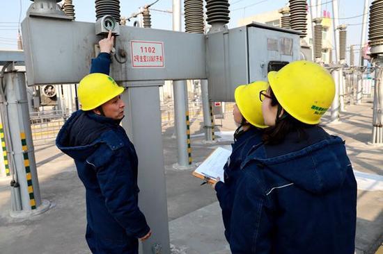 国网渭南供电公司春节七天乐:变电站值班员