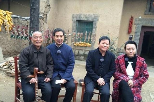 张国立李玉刚拜师华州老艺人 学习传承皮影戏