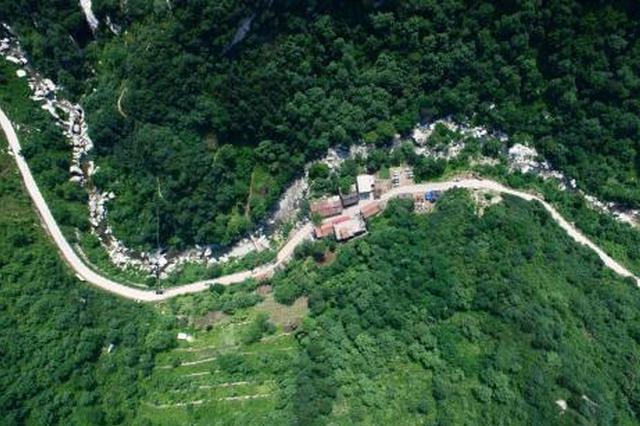 200多名武警特勤官兵在秦岭山中进行极限训练