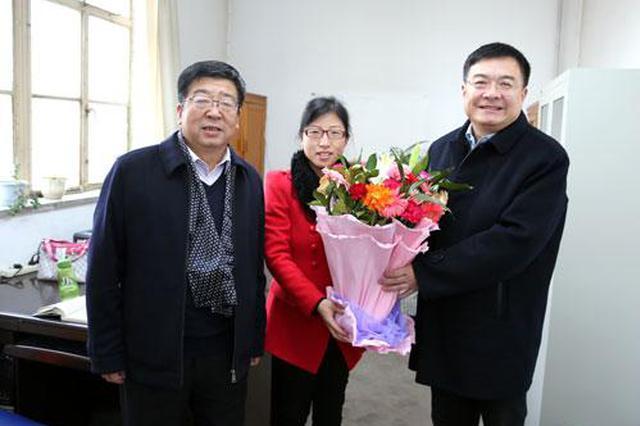 陕西省委常委看望慰问一线企业职工