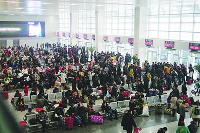 西安火车站短途探亲客流增长 西成高铁火爆一票难求