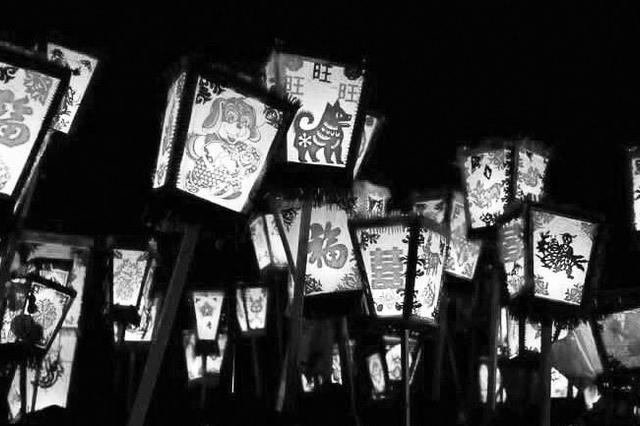 凤翔排灯会吸引上万群众 习俗流传了千百年
