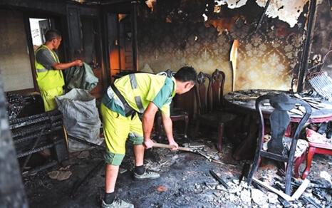 苏州金门路一居民家发生火灾
