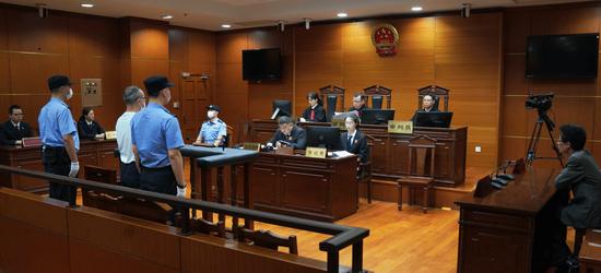 受贿超千万 上海杨浦区委政法委原书记卢焱获刑17年